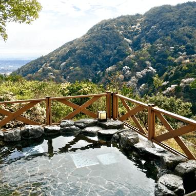 山と露天風呂