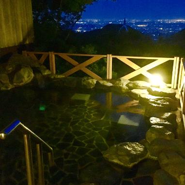 夜景と露天風呂