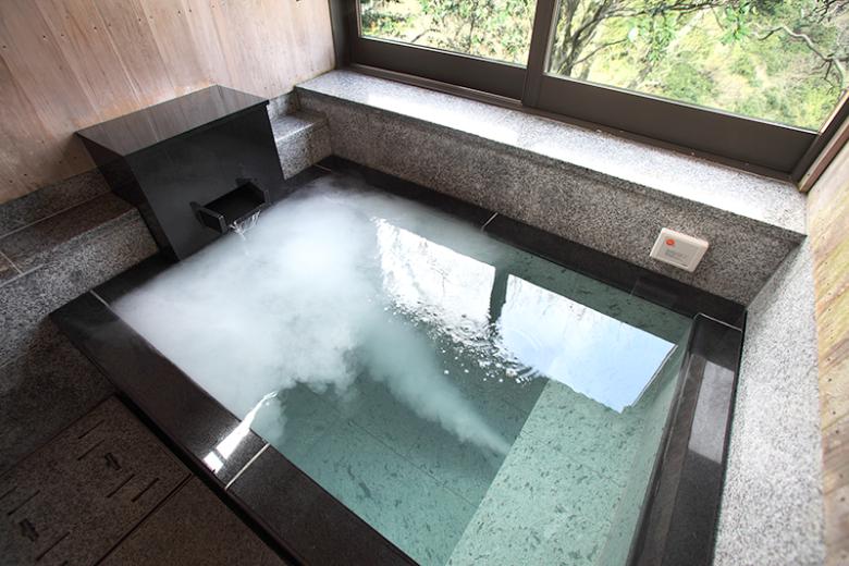 貸切風呂「緑山」