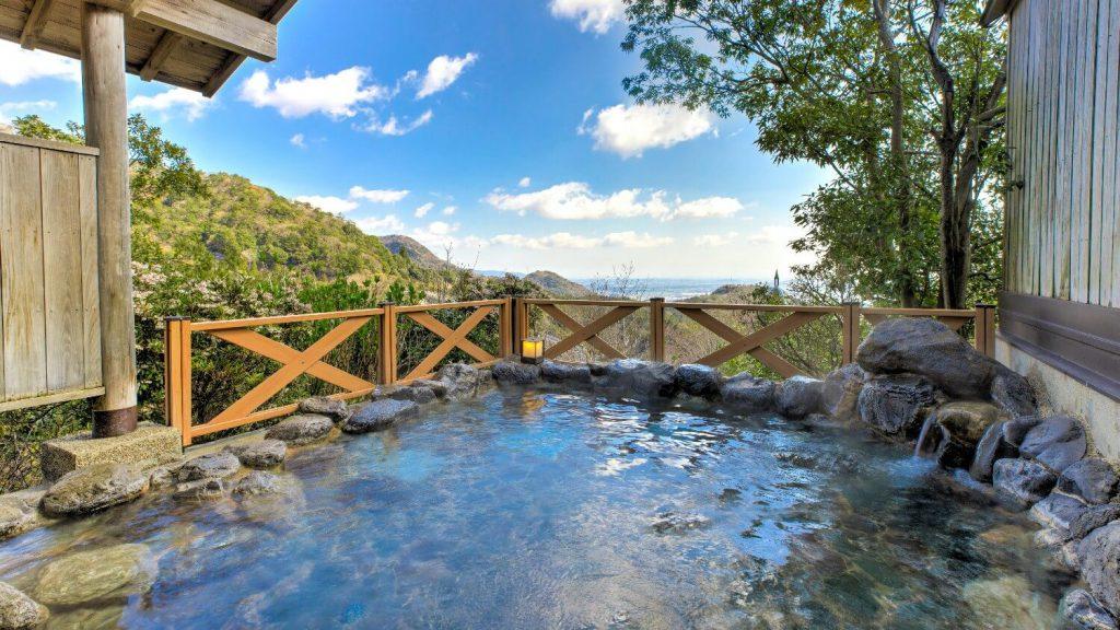 ホテル湯の本 露天風呂イメージ