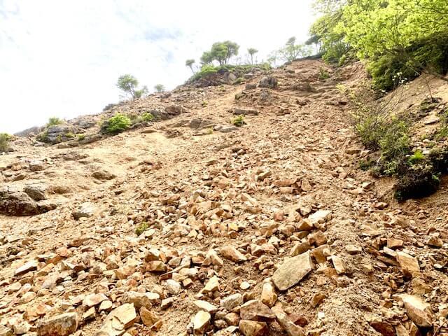鎌ヶ岳のガレ場イメージ