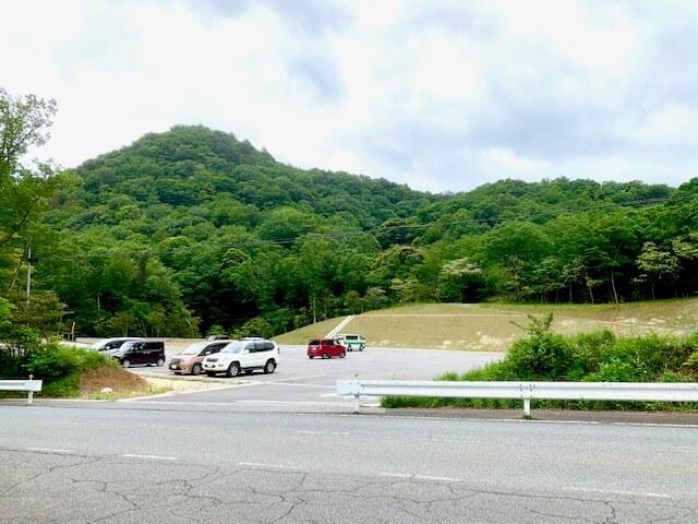 菰野富士に便利な大きな駐車場