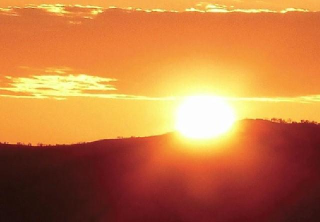 望湖台からの夕陽(イメージ)