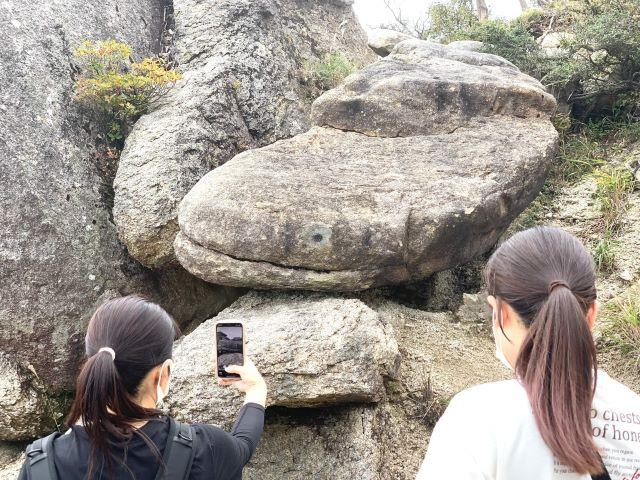 鈴鹿国見岳のナマズ岩