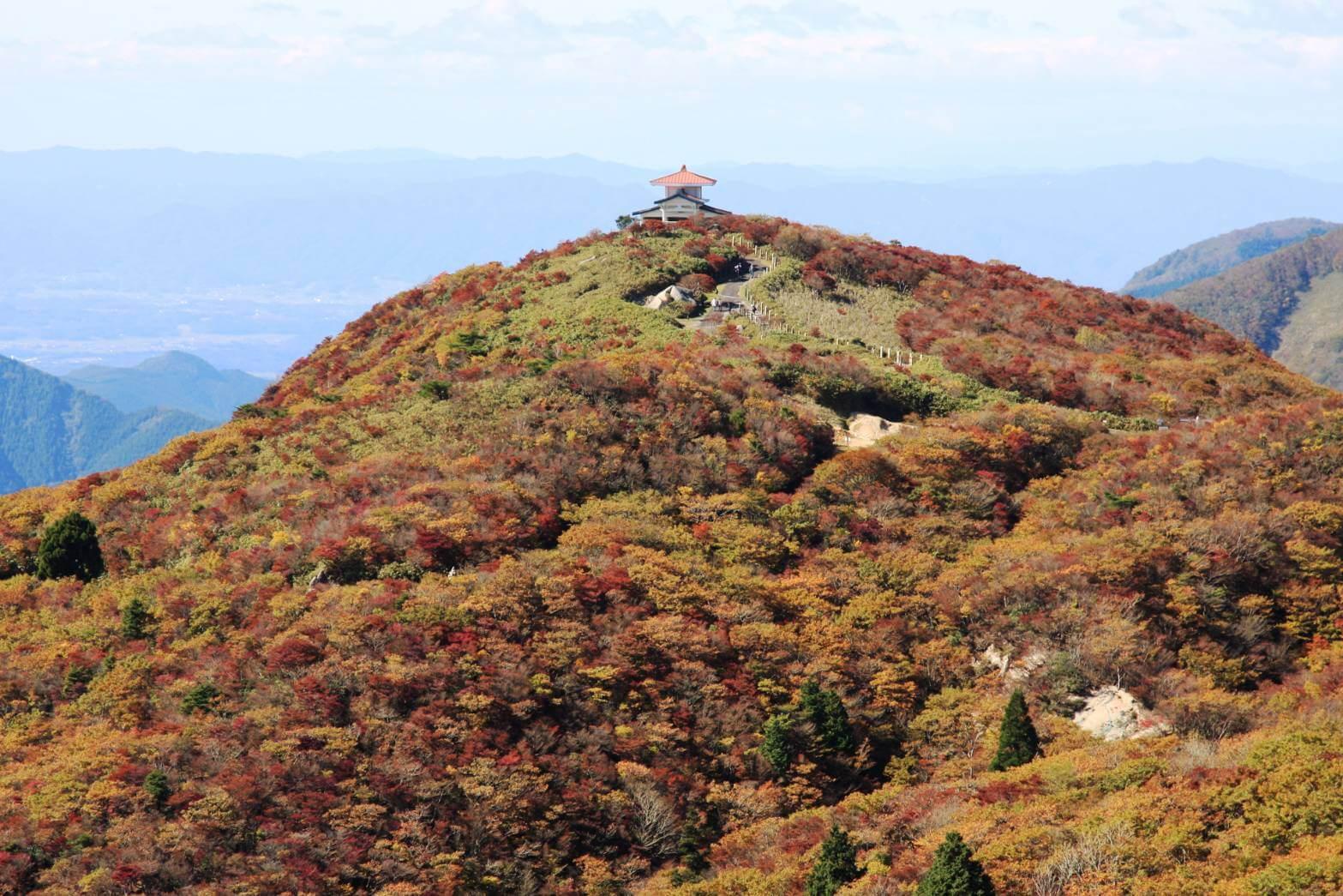 御在所岳の山上の紅葉