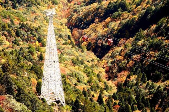 御在所岳の紅葉イメージ